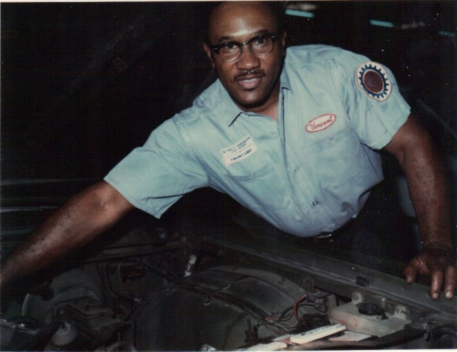 Vince Ricks, mechanic