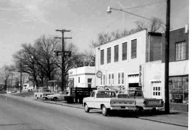 1968 - Same building as above - side view on Rockville Pike