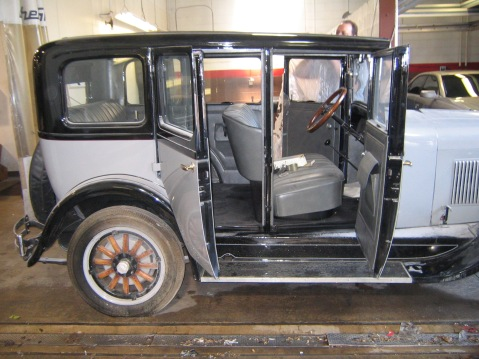 Suicide doors on Reed Brothers' 1928 Dodge Brothers Standard Six