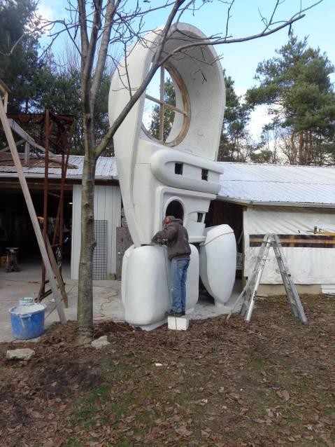 light dodger sculpture