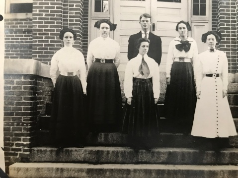 Montgomery County High School 1910