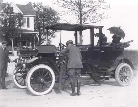Lewis Reed chauffeur 1910