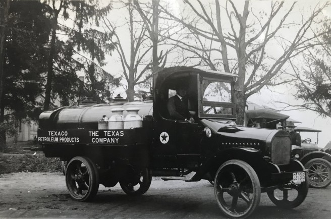 1917 Texaco Petroleum Truck