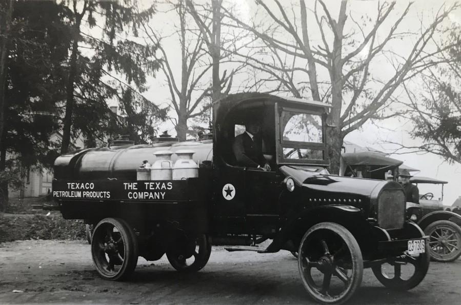 1917 Texaco Petroleum Truck