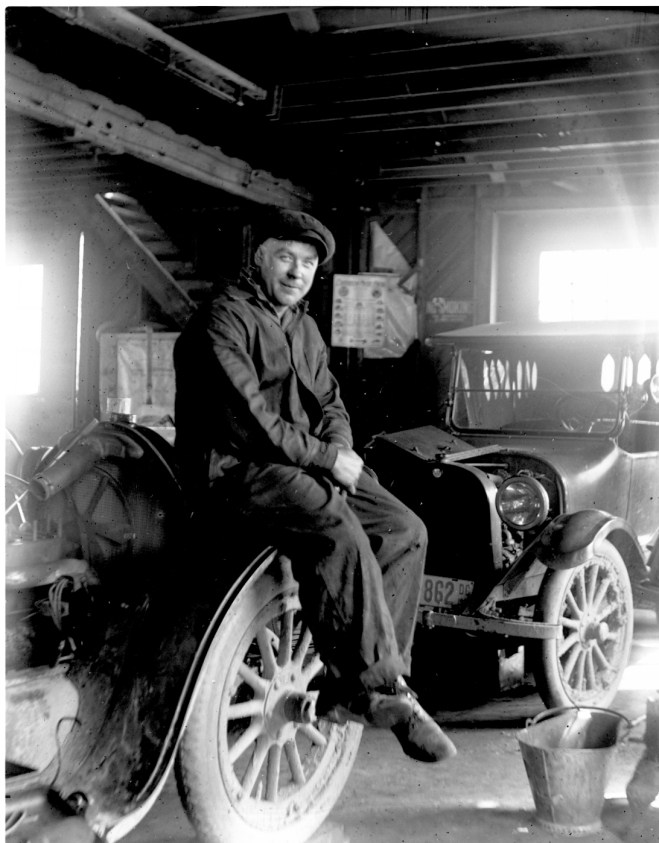 1921 – Alfred Fraley, mechanic