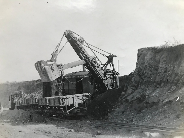 1912 Marion steam shovel
